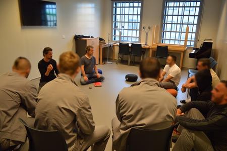 prisonniers en groupe